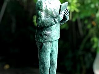 A Estátua e a Pedra (e o barro e o bronze)