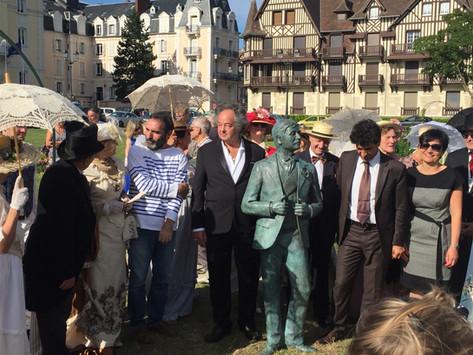 Inauguração estátua de Marcel Proust em Cabourg