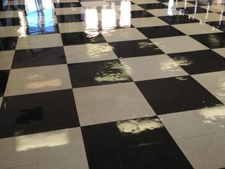 what beautiful shiny floors!!!!!!!