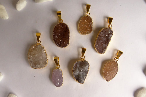 Freeform druzy pendant S (10-25 mm)