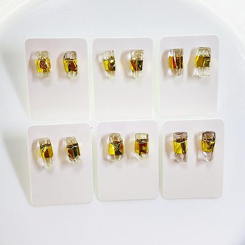 Stud Earrings (Quartz)