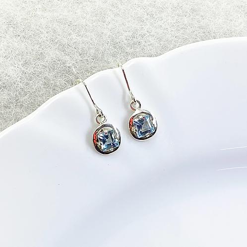Dangle Earring (Aquamarine)
