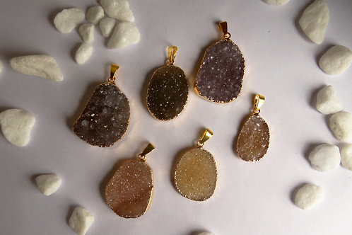 Freeform druzy pendant M (25-35 mm)