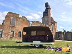 La Caravane Passe - Stand Photo