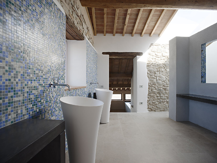 Bergonza-Luxury-Tuscany-Villas-16-web.jp
