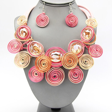 SOLD OUT Pink Wire Collar $20