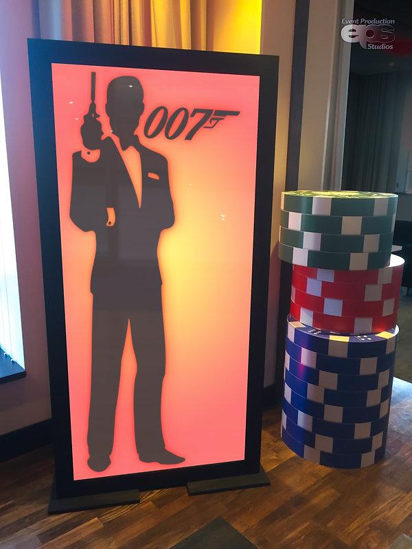 Bond-LightBox-2.jpg