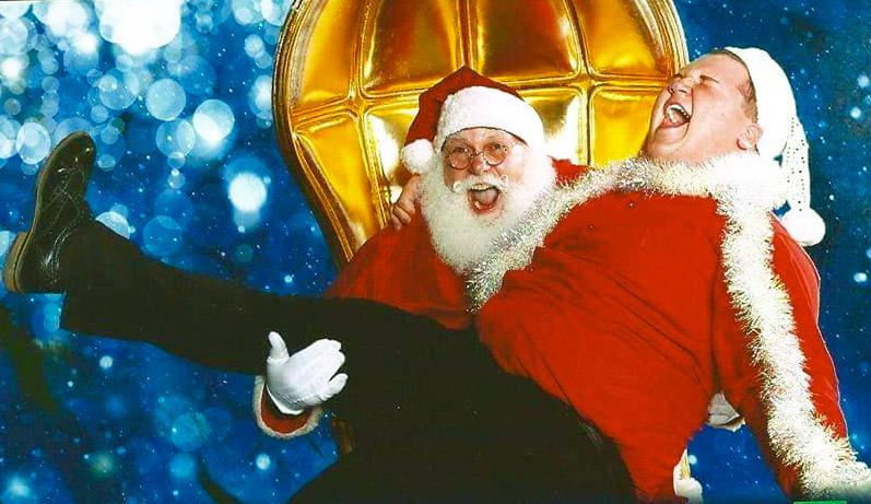 santa give lift2