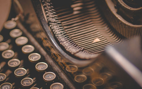 typewriter-5260665_1920.jpg