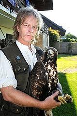 Eric Widmer, Greifvogelexperte
