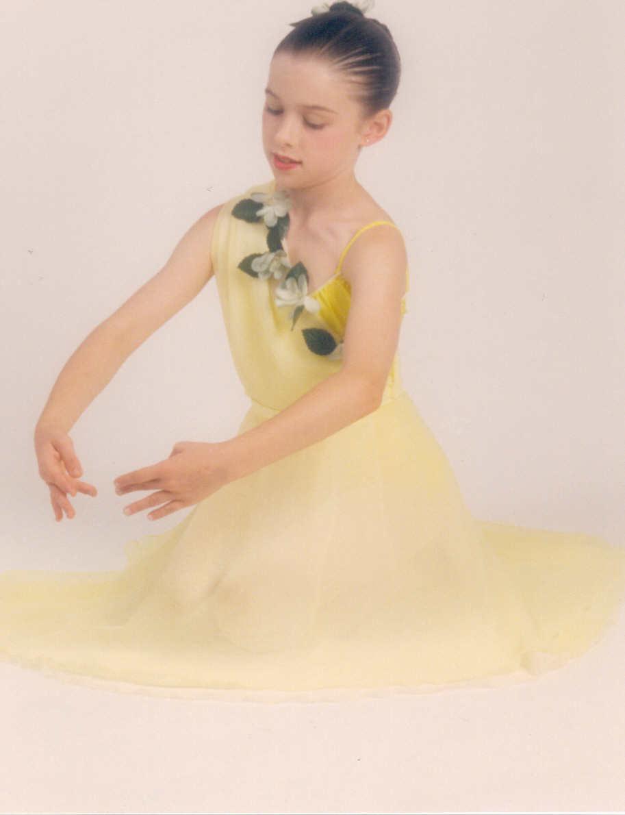 Erin Young yellow.JPG