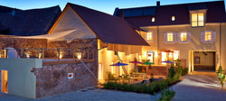 Hotel-Rothfuss_Blaue-Stunde_Pi-&-PS.jpg