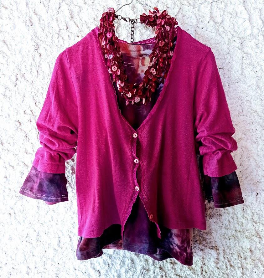Dark pink button necklace
