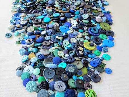 Ocean colored button necklace