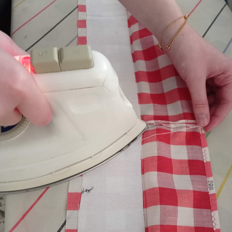 Stiffening the waistband