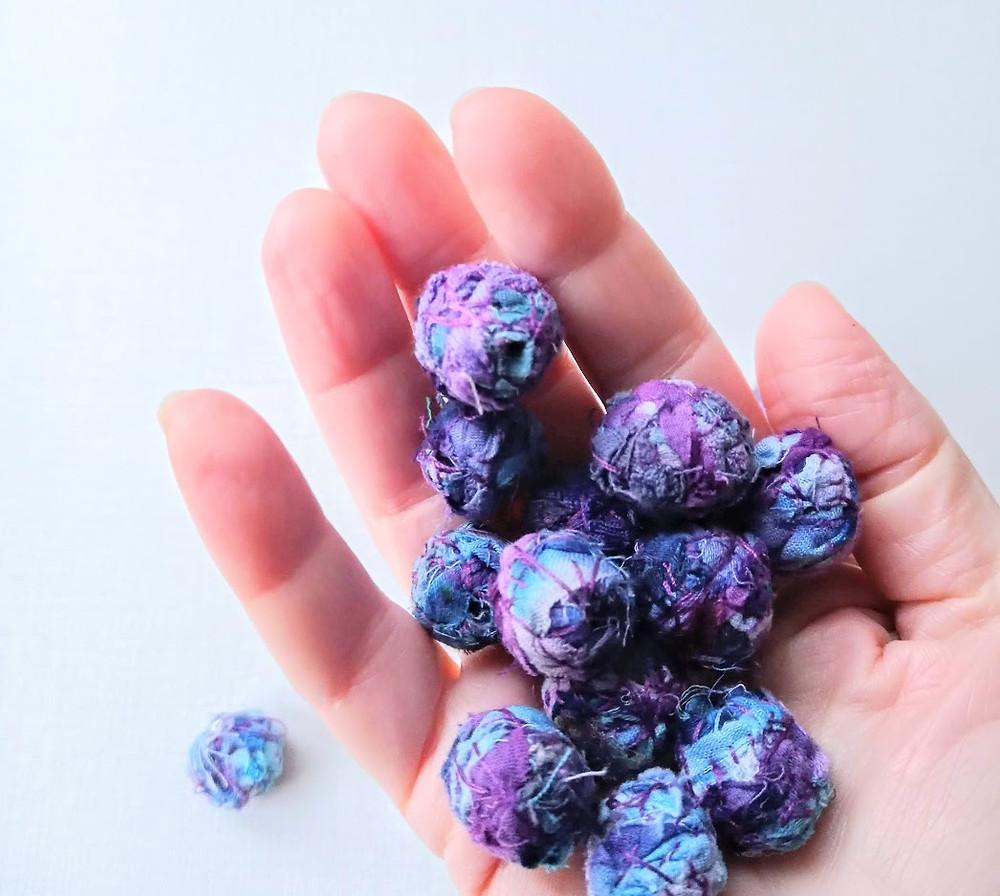 Round fabric beads
