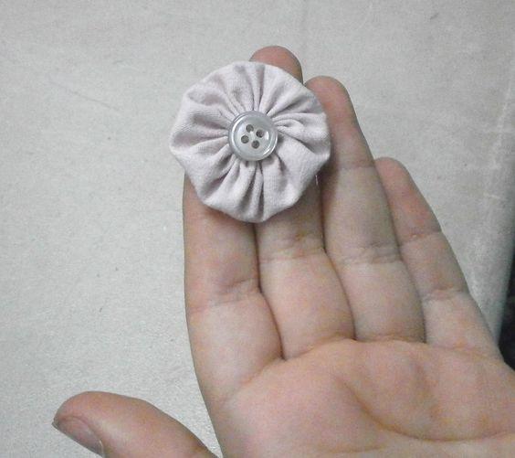 פרח וכפתור