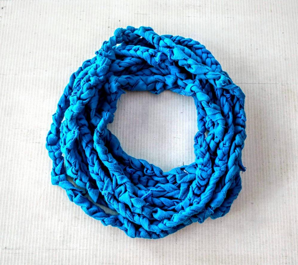 Blue t shirt necklace