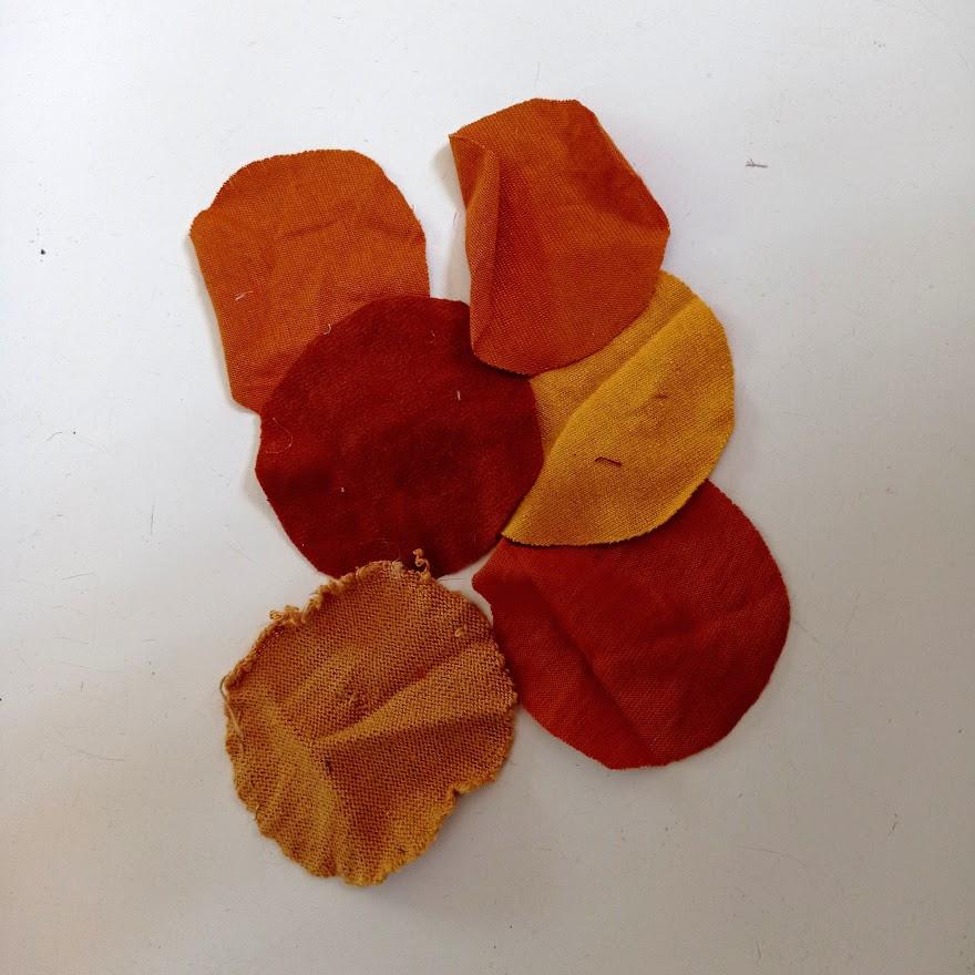 Circles for yoyos and petals