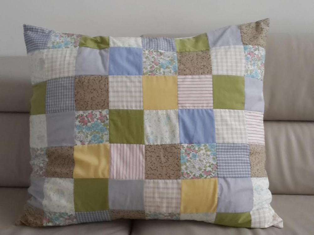 Vintage patchwork pillow - כרית טלאים