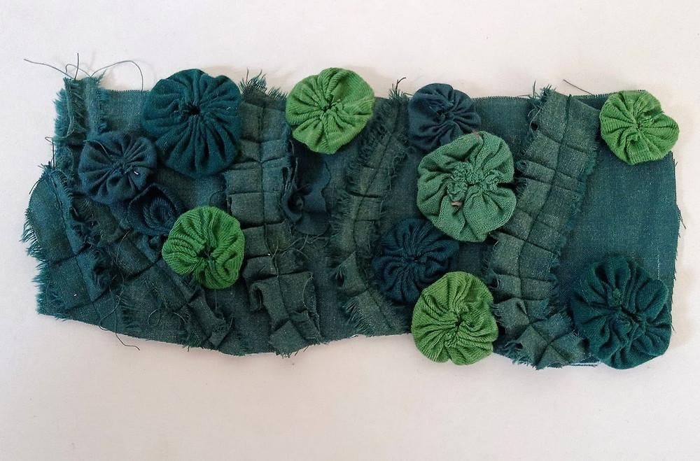 A base fabric piece