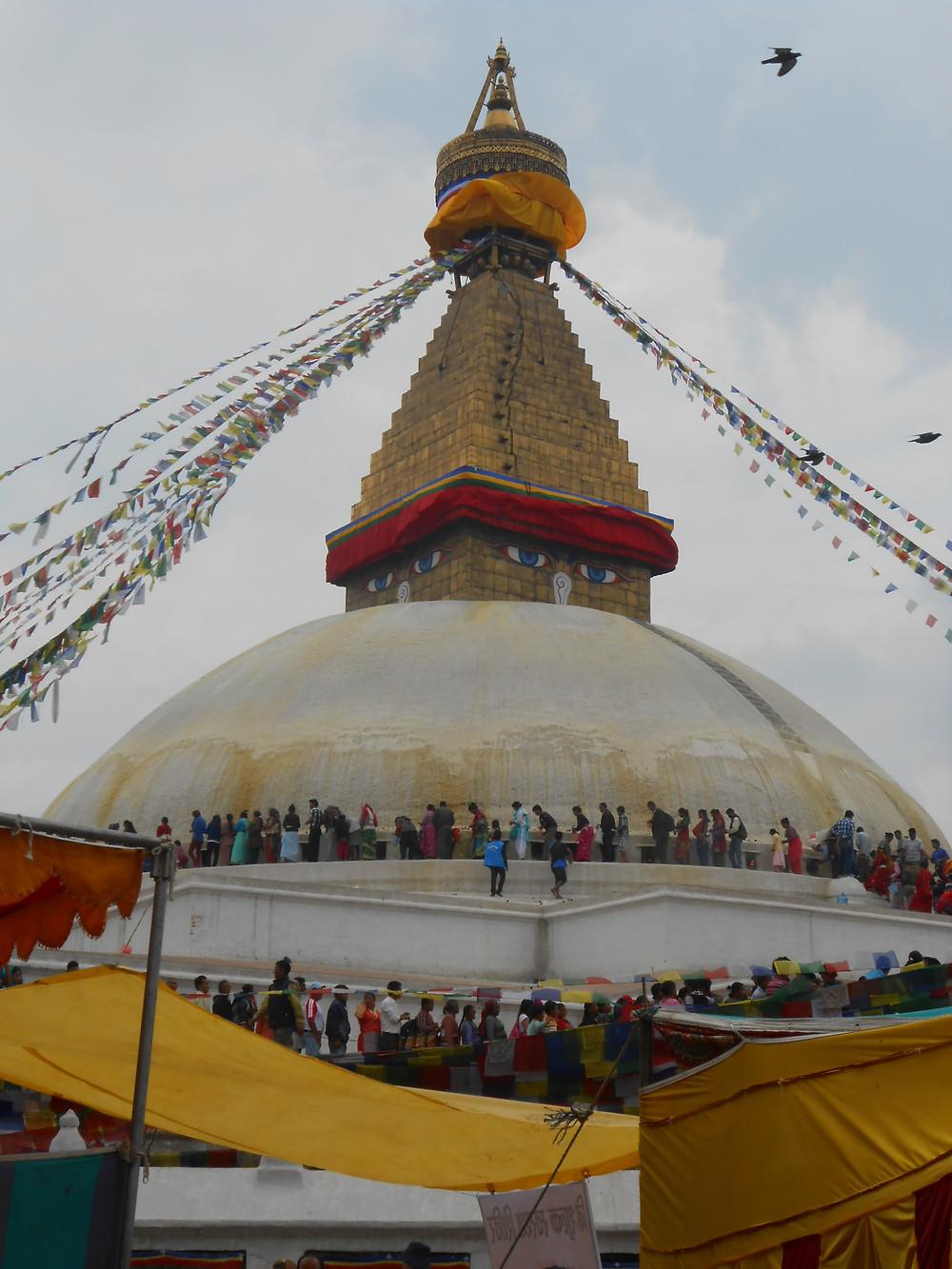 Community of pilgrims at full moon - Bouda Stupa