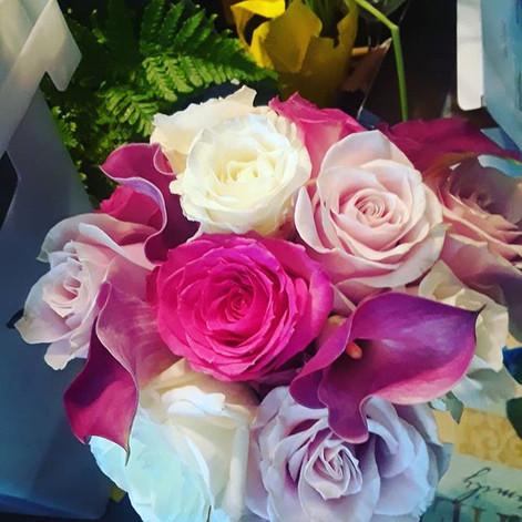 Bridesmaid bouquet.jpg