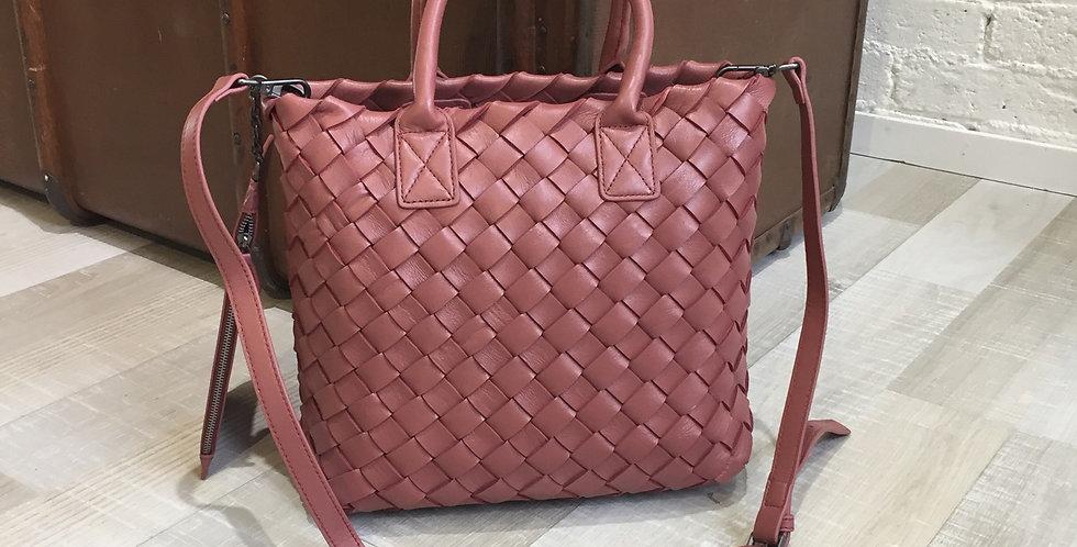 手工編織設計斜背包和手挽款真皮皮袋