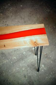 Table_résine_bois_et_métal_3.jpg