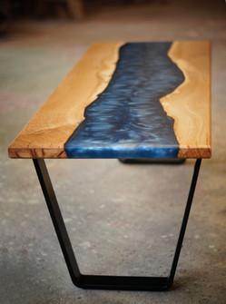 Table_basse_métal_bois_résine_1.jpg