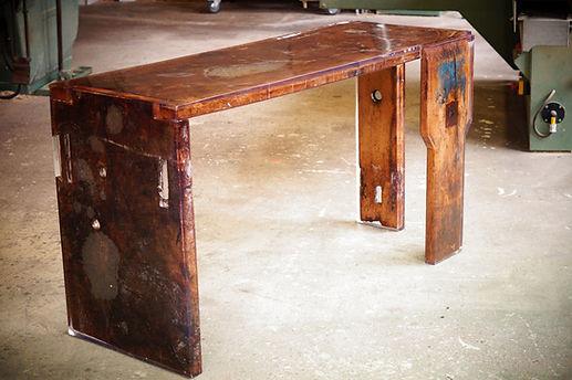 Table_résine_et_bois_1.jpg