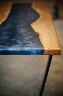 Table_basse_métal_bois_résine_2.jpg