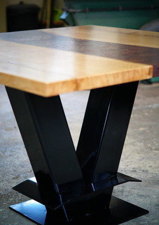 Table repas bois et pouzzolane 1.jpg
