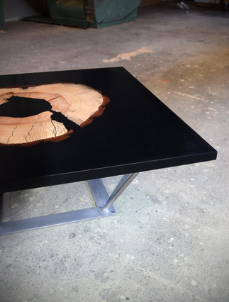 Table_basse_résine_bois_3.jpg