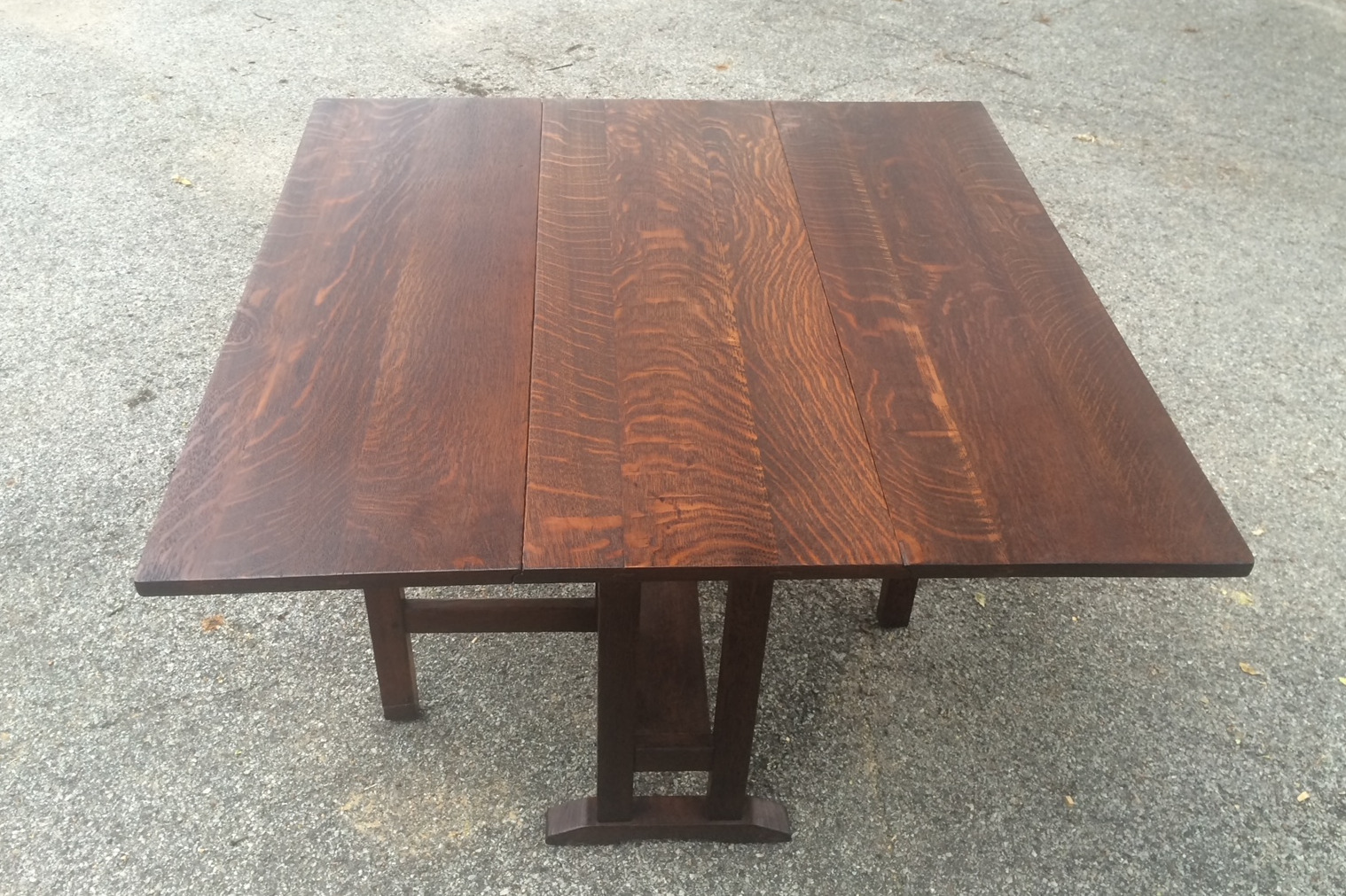 L & JG Stickley Drop Leaf Table