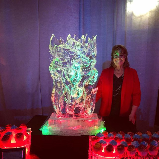 Our ice carving for #fruitachamberofcomm
