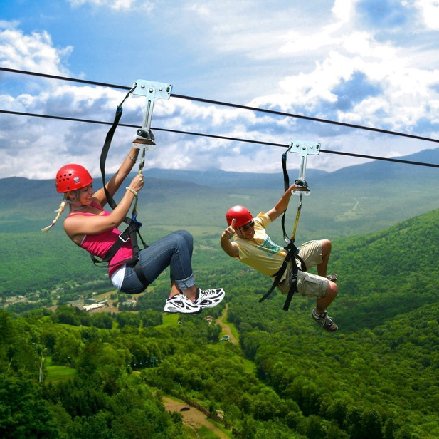 zip-lining-at-hunter-mountain-in-the-cat