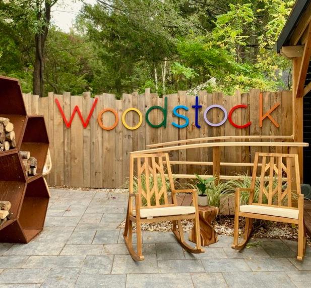 Herwood-Inn-backyard-e1571251105464.jpg
