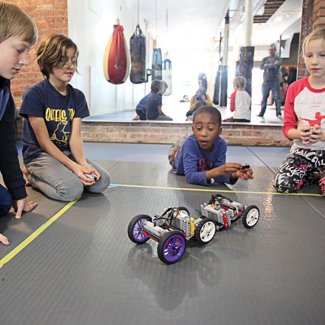 1.Kids floor battle Bots NB.jpg
