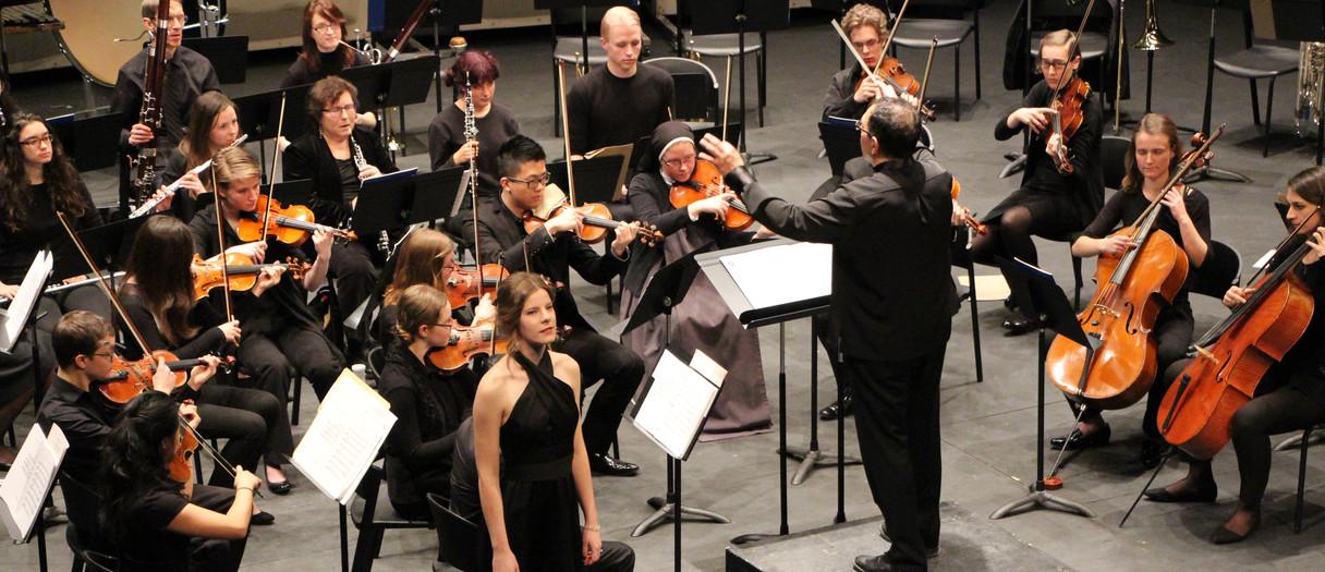 Peter Allen conducting