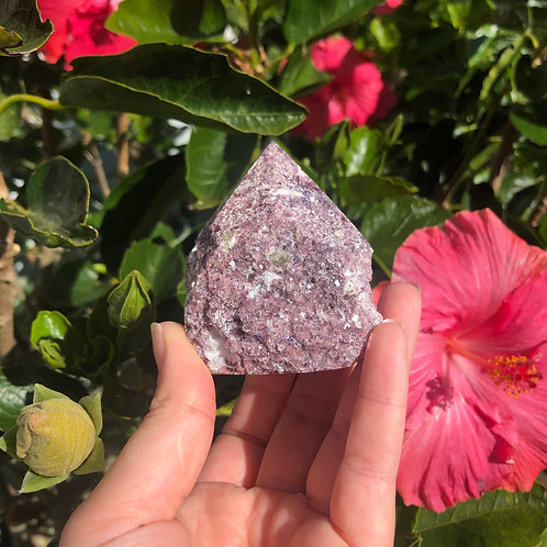 lepidolite cut base point