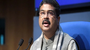Union Minister Applauds UP Government for Putting National Education Policy into Practice