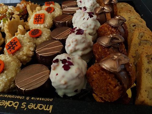 Plateau met 48 ambachtelijke koekjes
