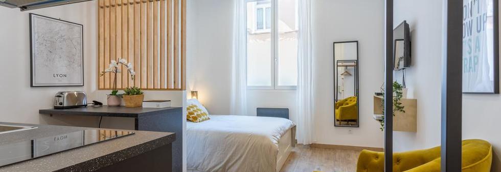 studio airbnb amenagement tendance renovation appartement travaux-decoration lyon architecte intérieur studiolb lisa bronsztejn or et argent