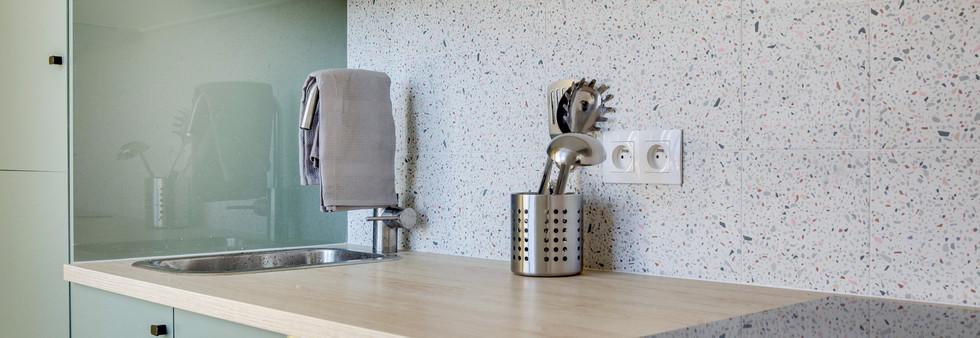 cuisine verte amenagement tendance renovation appartement travaux-decoration lyon architecte intérieur studiolb lisa  bronsztejn sublimer l'espace