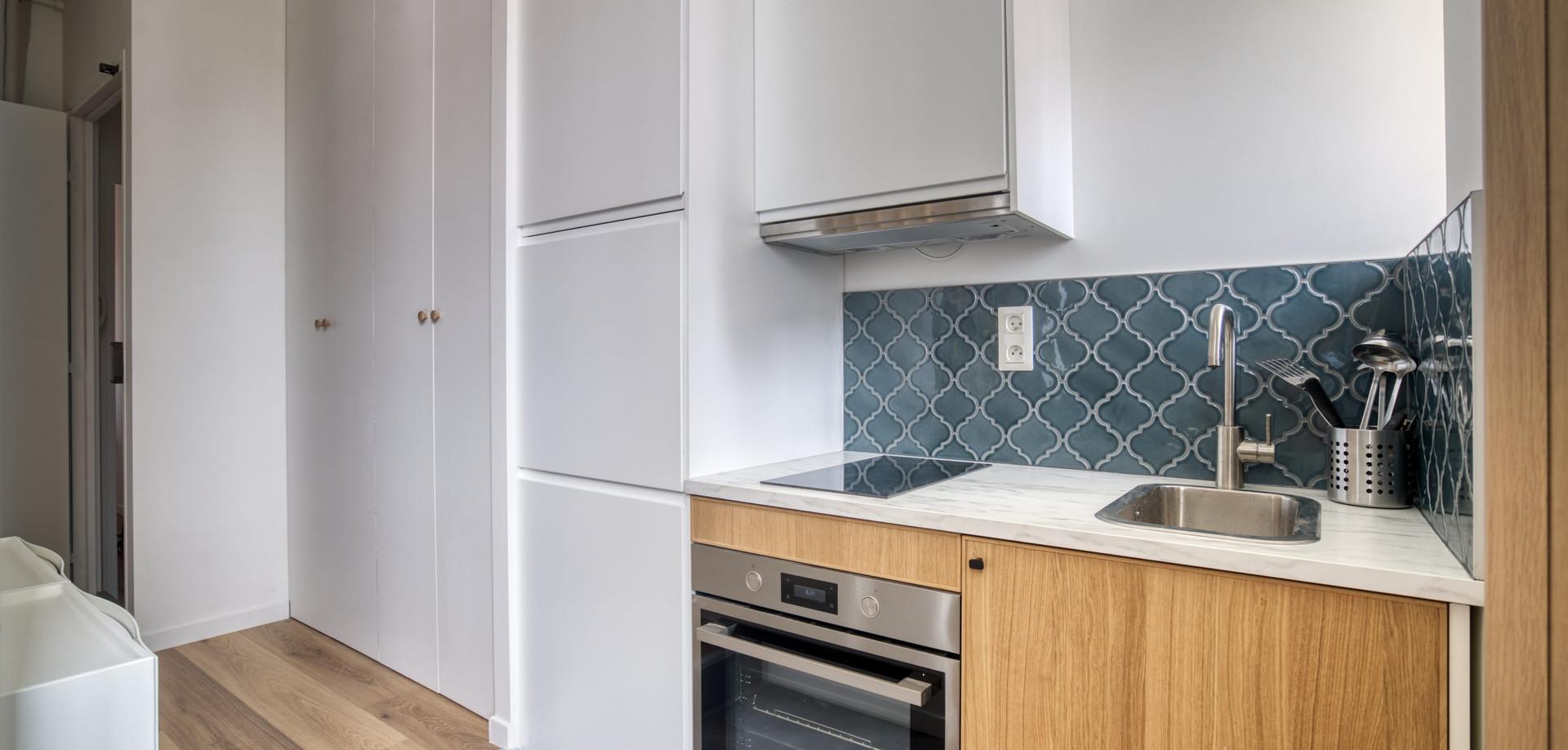 cuisine bleue amenagement tendance renovation appartement travaux-decoration lyon architecte intérieur studiolb lisa bronsztejn natural colors