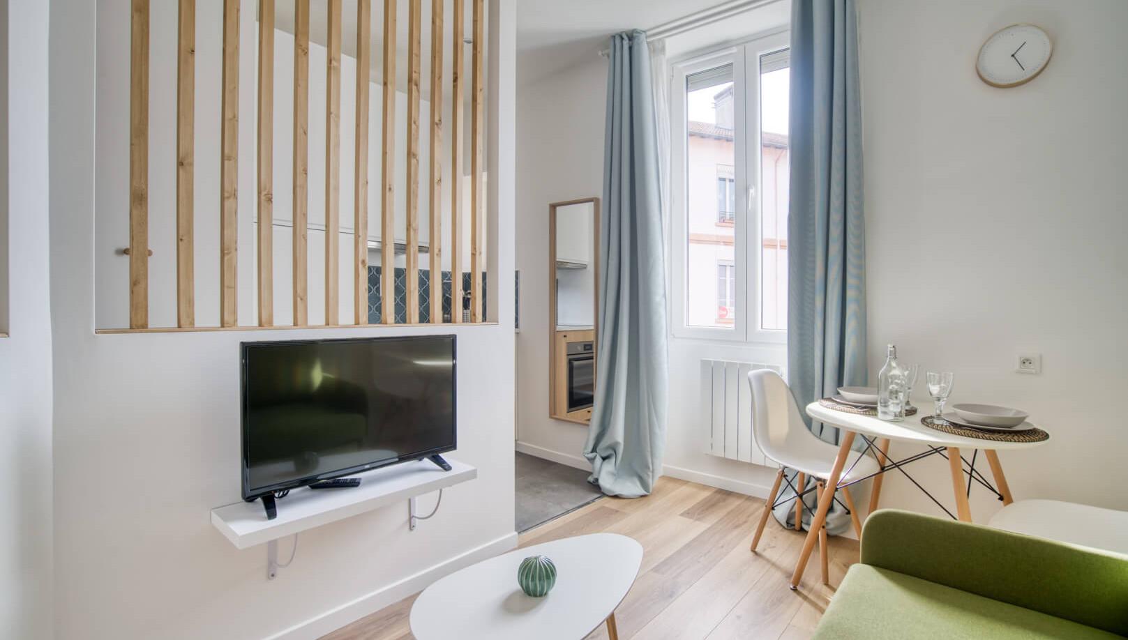 studio étudiant amenagement tendance renovation appartement travaux-decoration lyon architecte intérieur studiolb lisa  bronsztejn natural colors