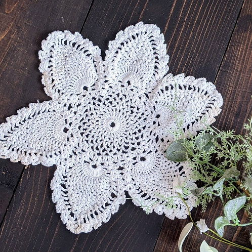 Dainty Pineapple Vintage Lace