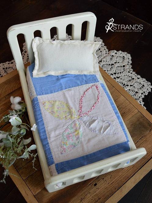 Tattered Flower Quilt Layer