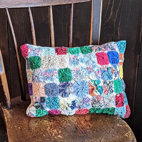 Yo-yo Vintage Quilt Pillow | 12x16 in.